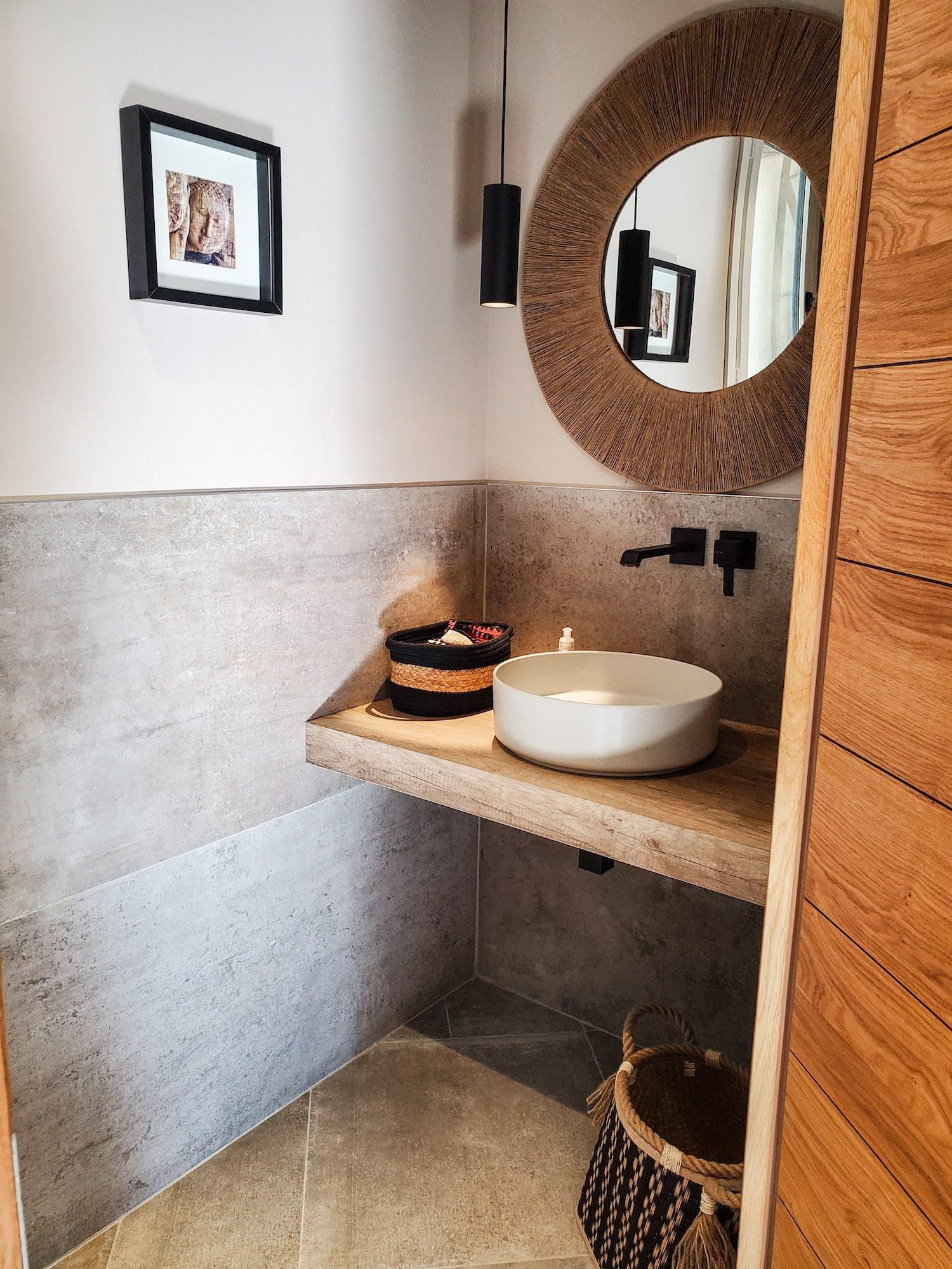 Rénovation Maison en Provence - La vasque des toilettes, by Christiansen Design, Architecte d'intérieur et Décorateur à Paris, Yvelines, Hauts de Seine, Provence
