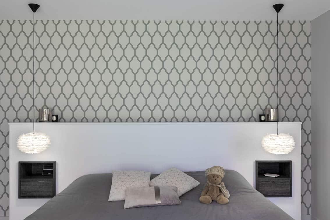 Tête de lit sur mesure avec fond de papier peint, by Christiansen Design, Architecte d'intérieur et Décorateur à Paris, Yvelines, Hauts de Seine, Provence